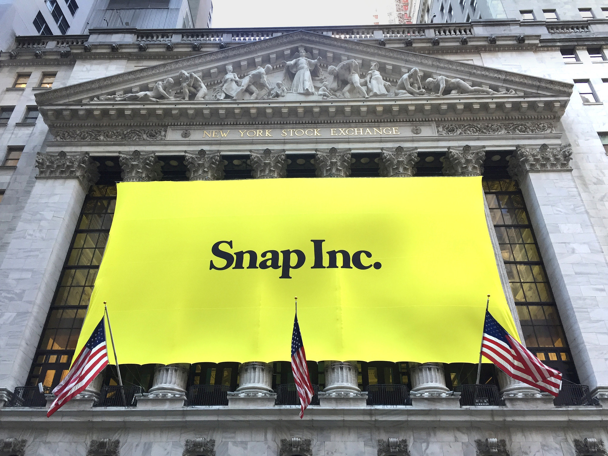 Shares in Snapchat Maker Fall Below Initial Trading Price