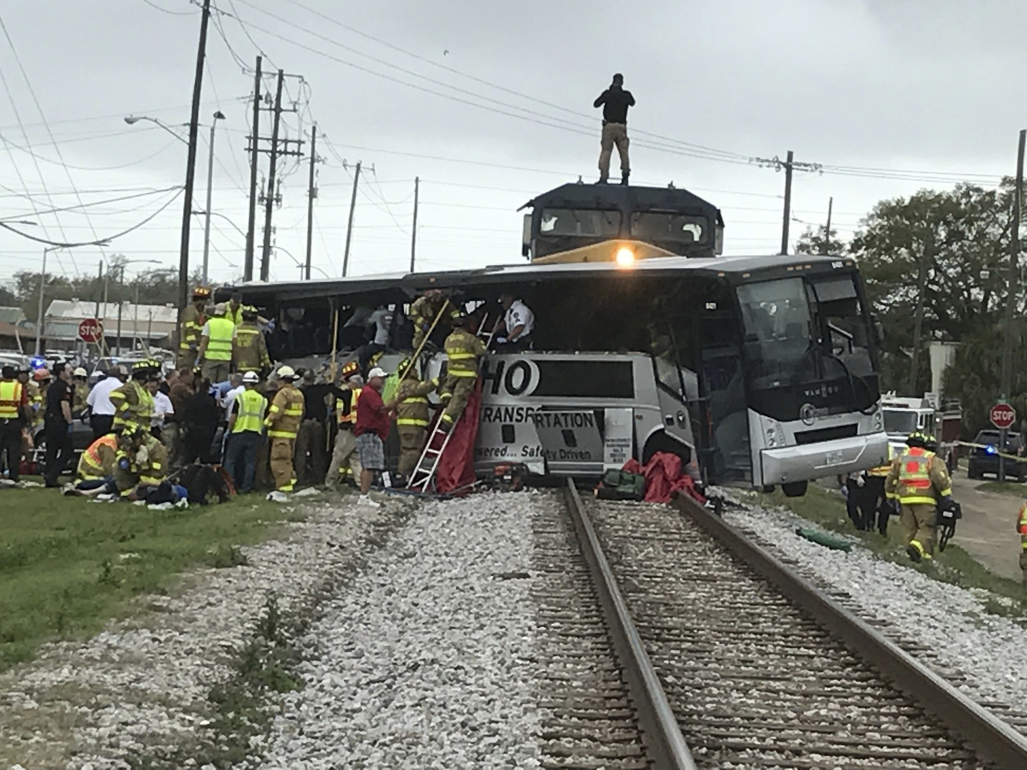 4 people on senior center trip killed after train collides with bus in mississippi chicago tribune