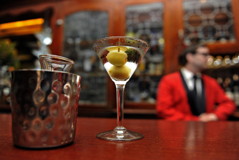 Martini at Musso & Frank (Los Angeles Times)