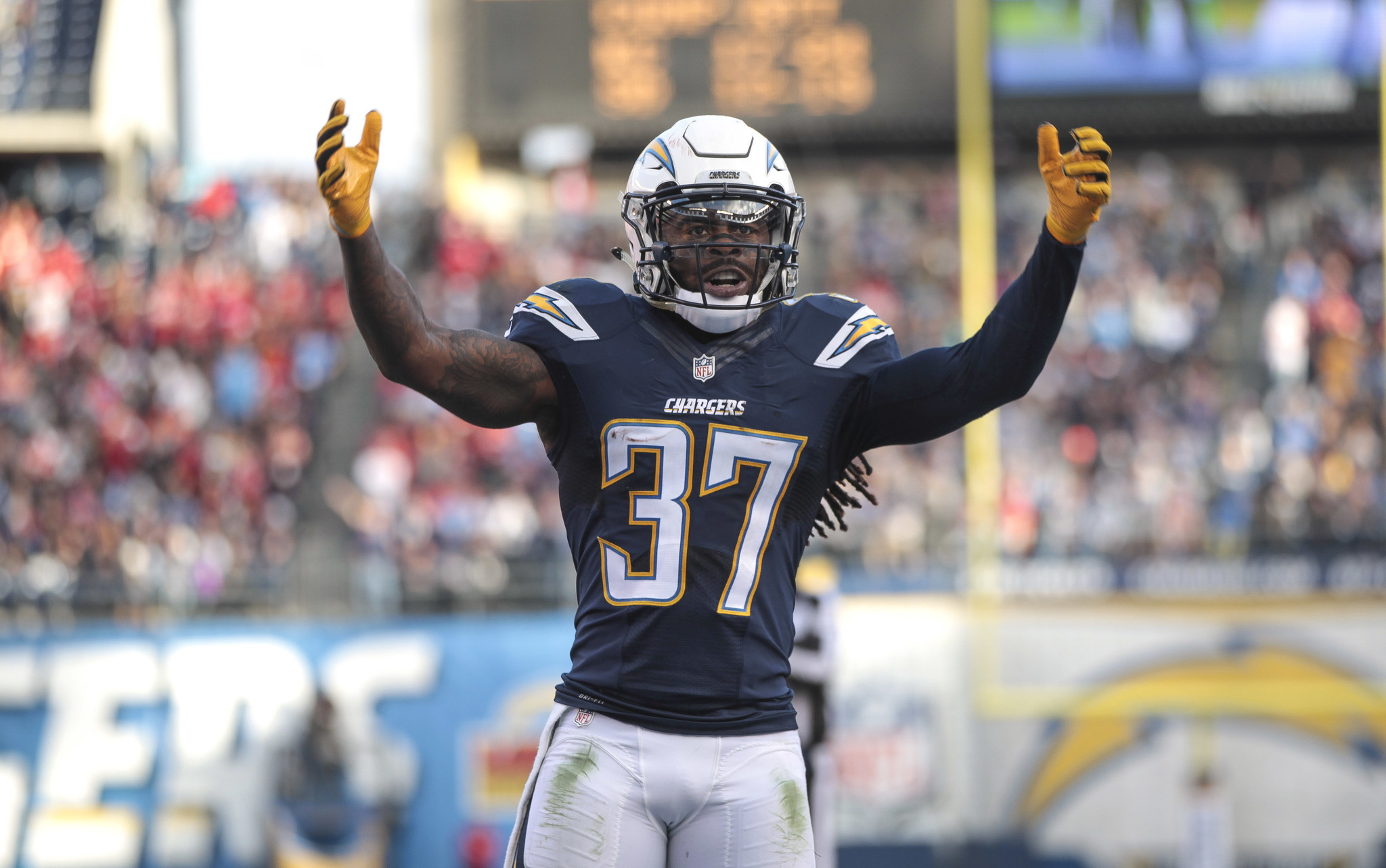 Sd-sp-chargers-nfl-addae-20170308