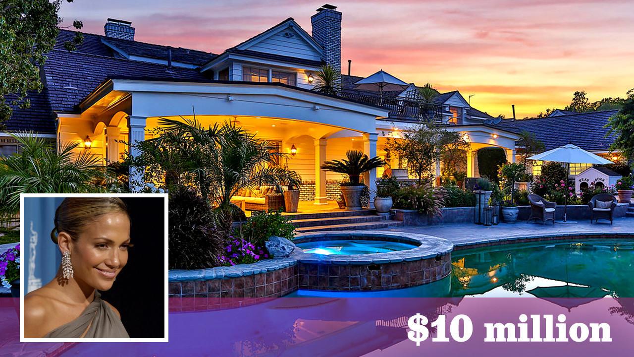 jennifer lopez sells her hidden hills estate at a steep. Black Bedroom Furniture Sets. Home Design Ideas