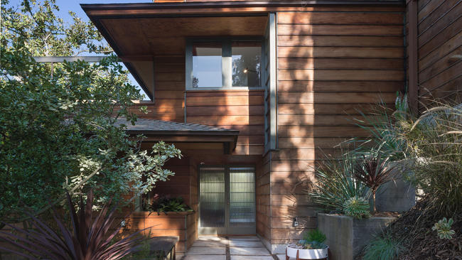 city house with window modernist treehouse blends into its studio city hillside la times