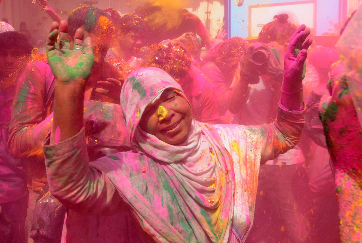 Essay on Holi Festival, Importance of Holi Short Speech, Paragraph