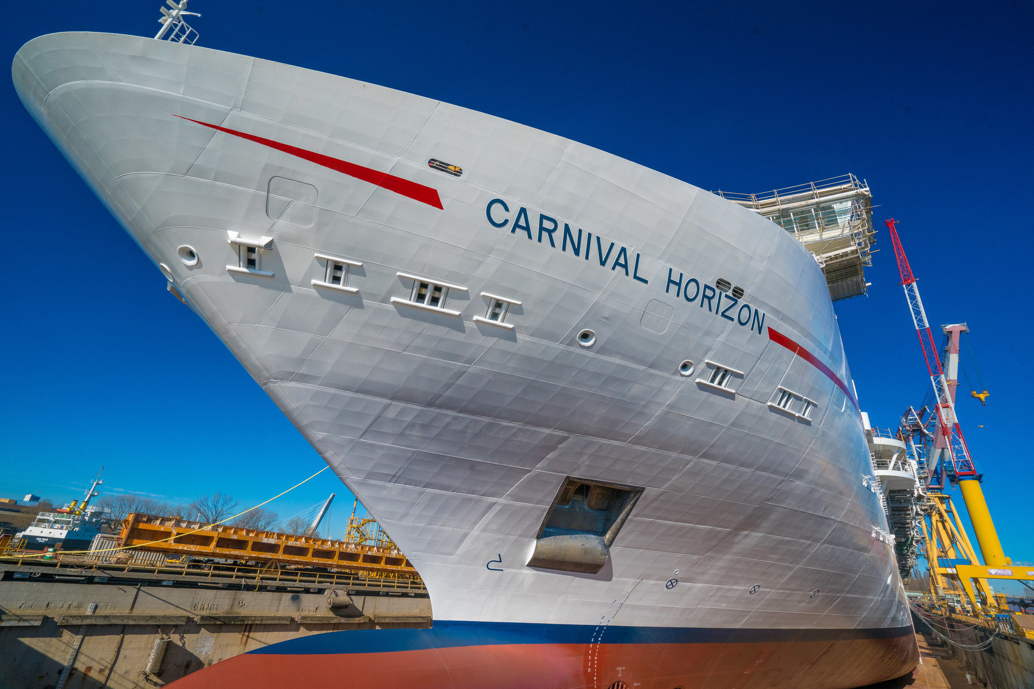 Florida Bound Carnival Horizon Reaches Construction