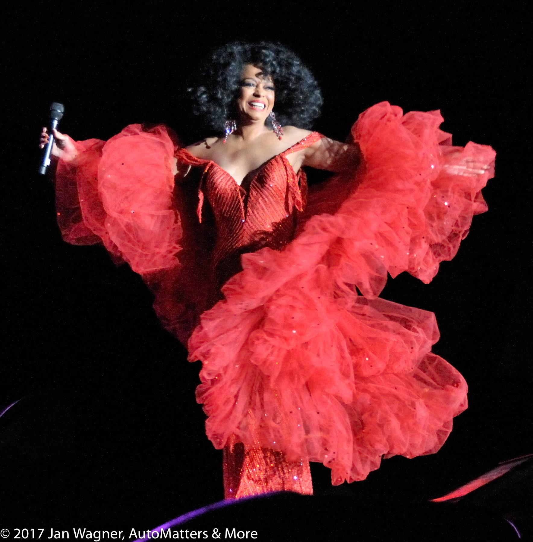 Superstar Diana Ross headlining Monster concert during CES2009