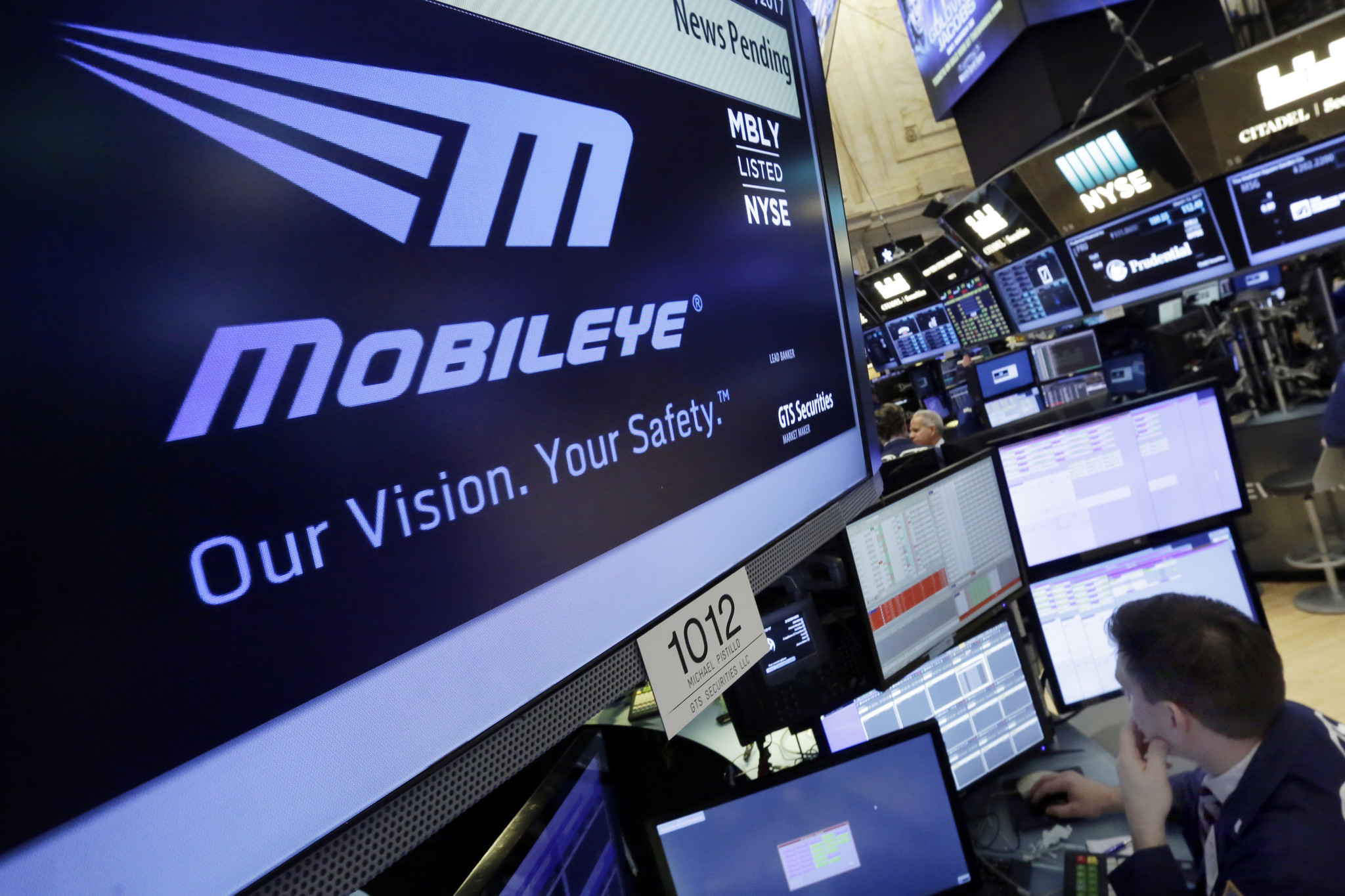 Intel, betting big on driverless cars, is buying Mobileye for $15 billion
