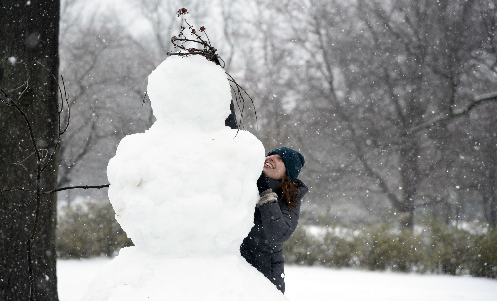 maryland snow storm leaves icy glaze and travel hazards