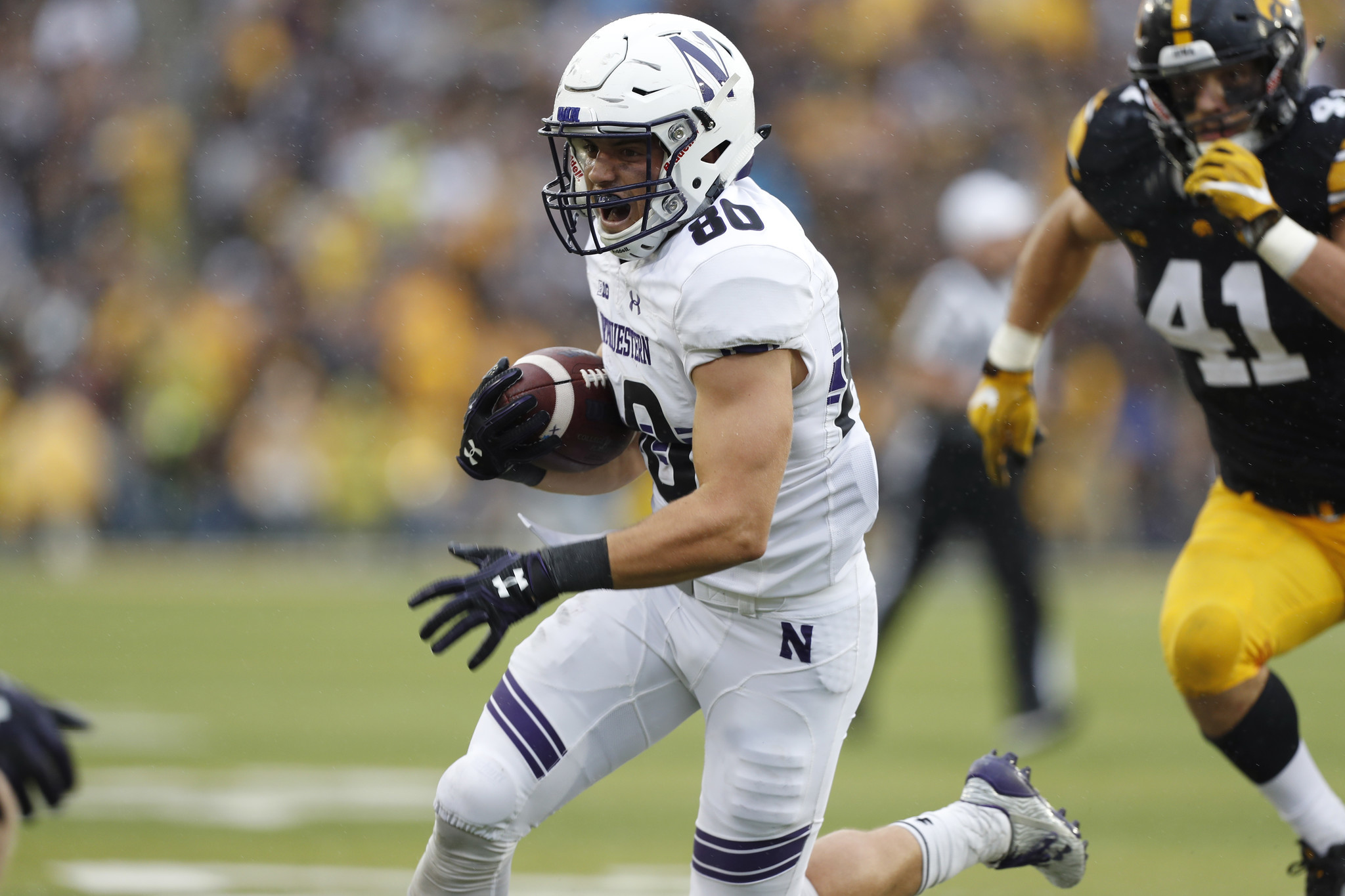 Austin Carr performs for NFL scouts on Northwestern s pro day