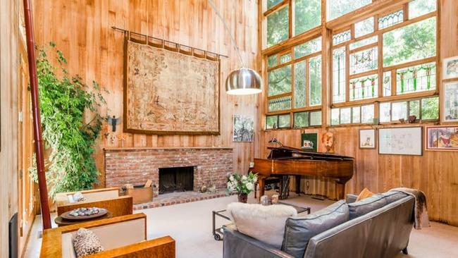 Family ties star meredith baxter parts with tree topped home in hot property meredith baxter sciox Choice Image