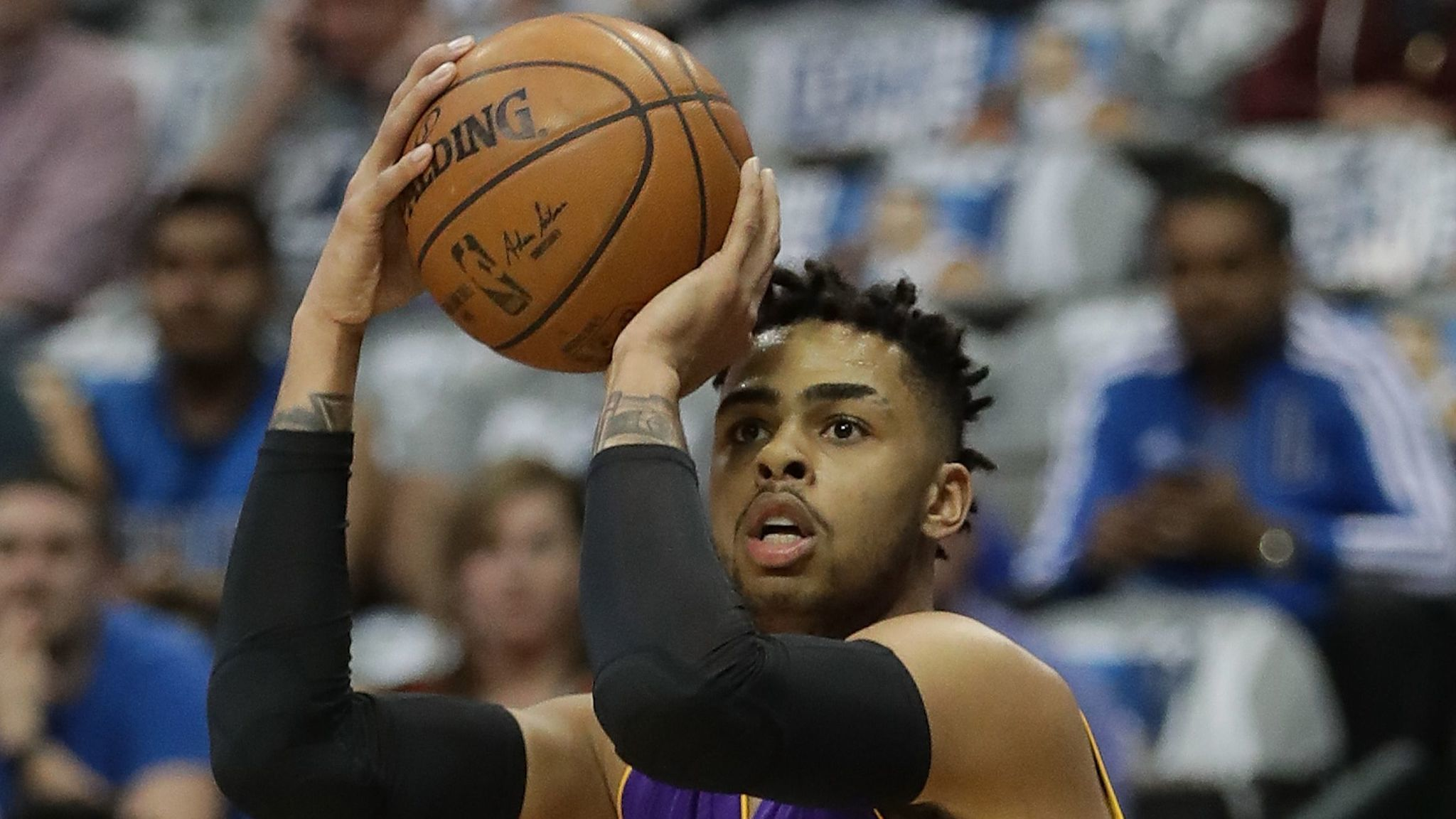 La-sp-lakers-russell-shooting-guard-20170315