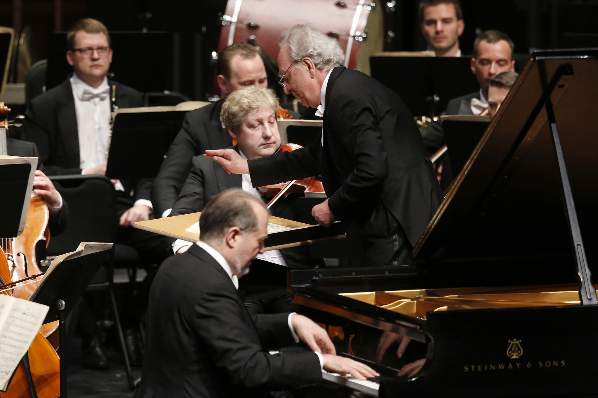 Yuri Temirkanov conducts the St. Petersburg Philharmonic with piano soloist Garrick Ohlsson.