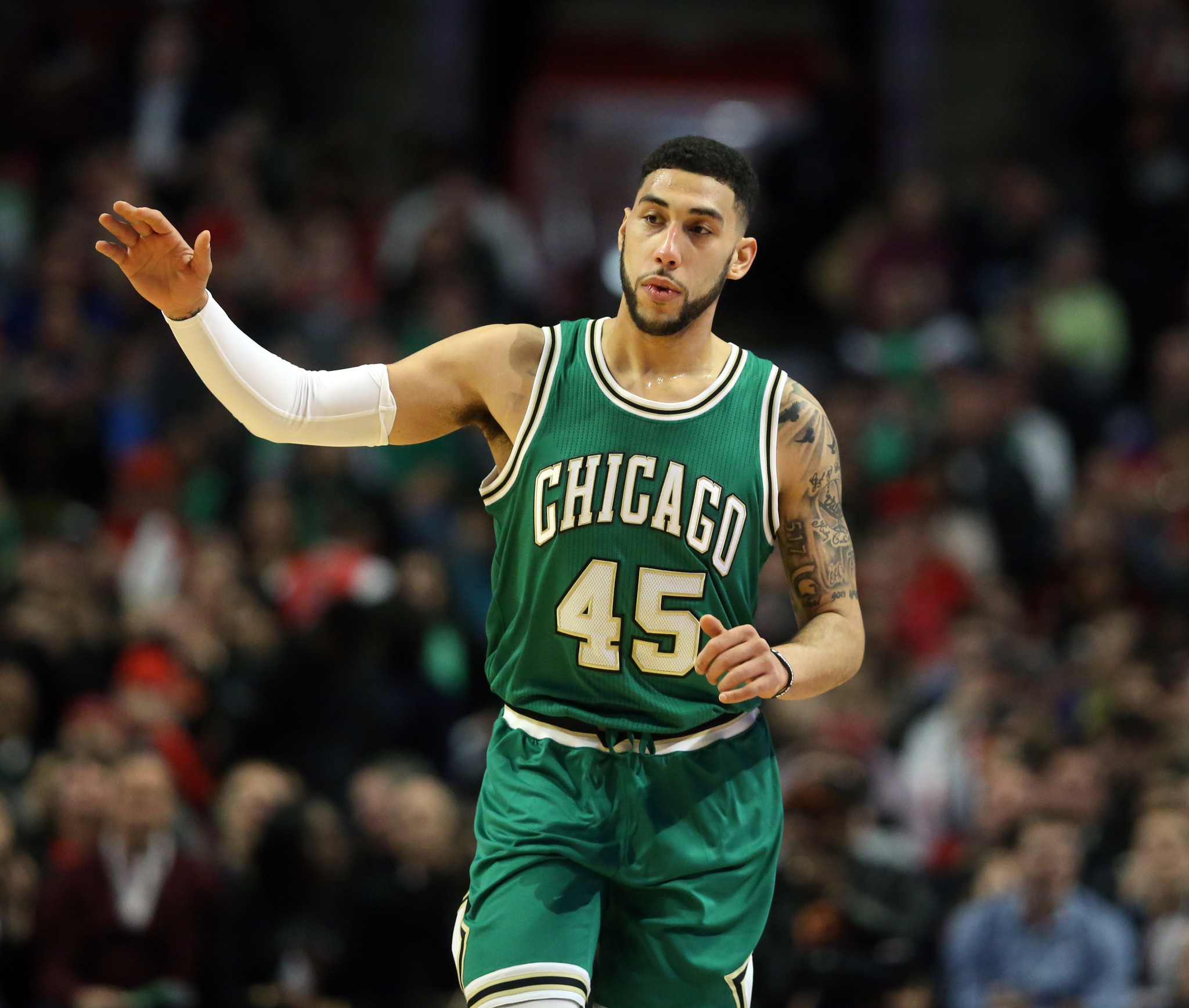 Denzel Valentine Hopes To Soak Up Dwyane Wadeu0027s Leadership For Increased  Role   Chicago Tribune