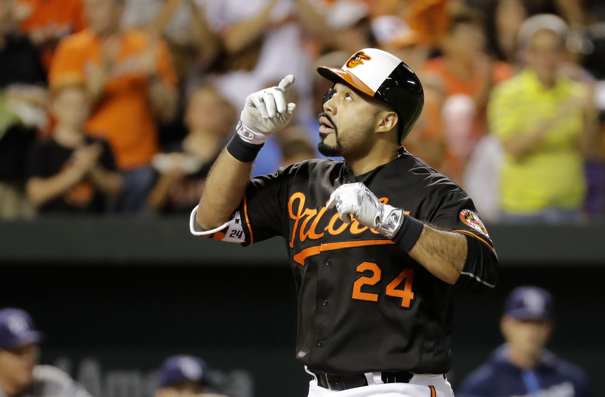 Bal-pedro-alvarez-productive-in-first-outfield-start-as-orioles-beat-yankees-5-4-20170318