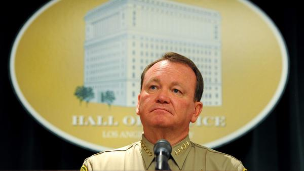 L.A. County sheriff is walking a political tightrope by opposing the 'sanctuary state' bill