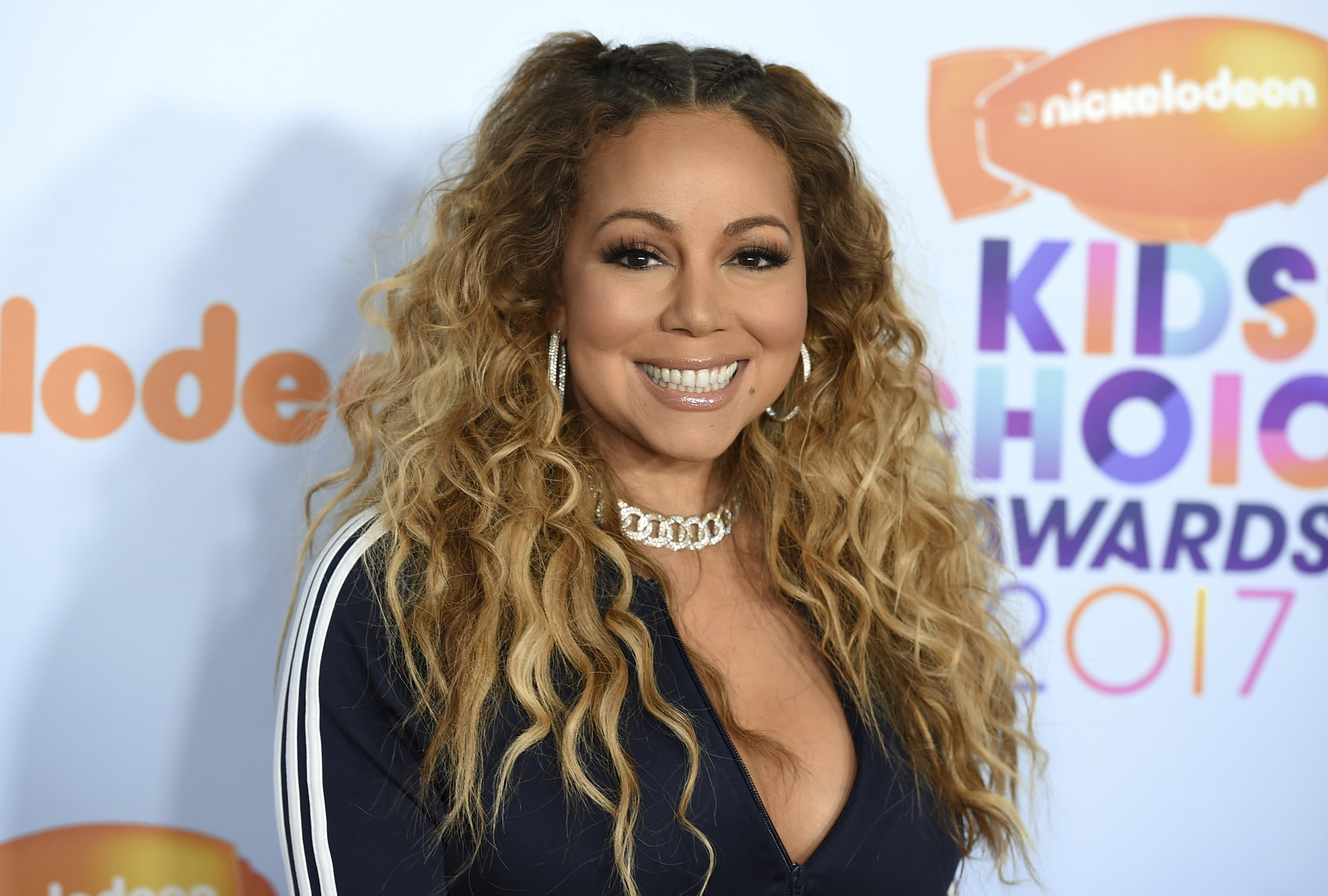 Mariah Carey\'s \'All I Want for Christmas Is You\' is becoming a movie ...