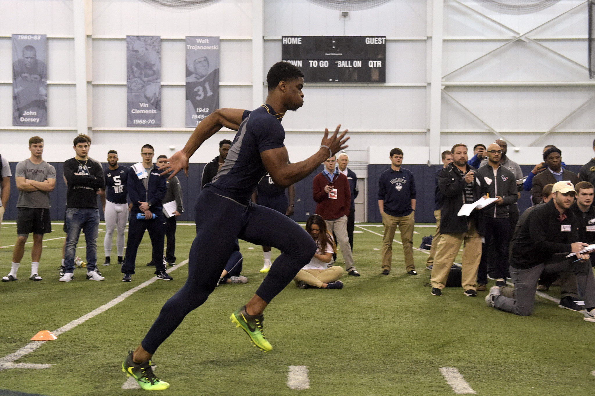 Hc-uconn-football-pro-day-0323-20170322
