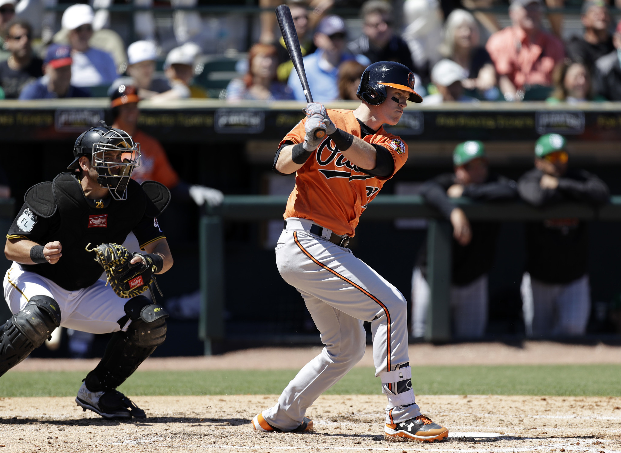 Bal-keeping-chance-sisco-in-camp-a-sign-orioles-believe-top-prospect-is-close-20170322