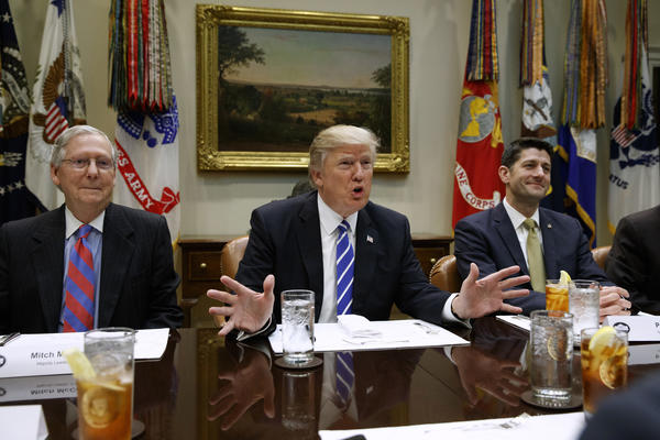 Trump threatens to leave Obamacare in place if GOP bill fails