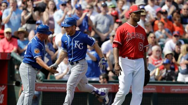 Angels let victory slip away vs. Royals