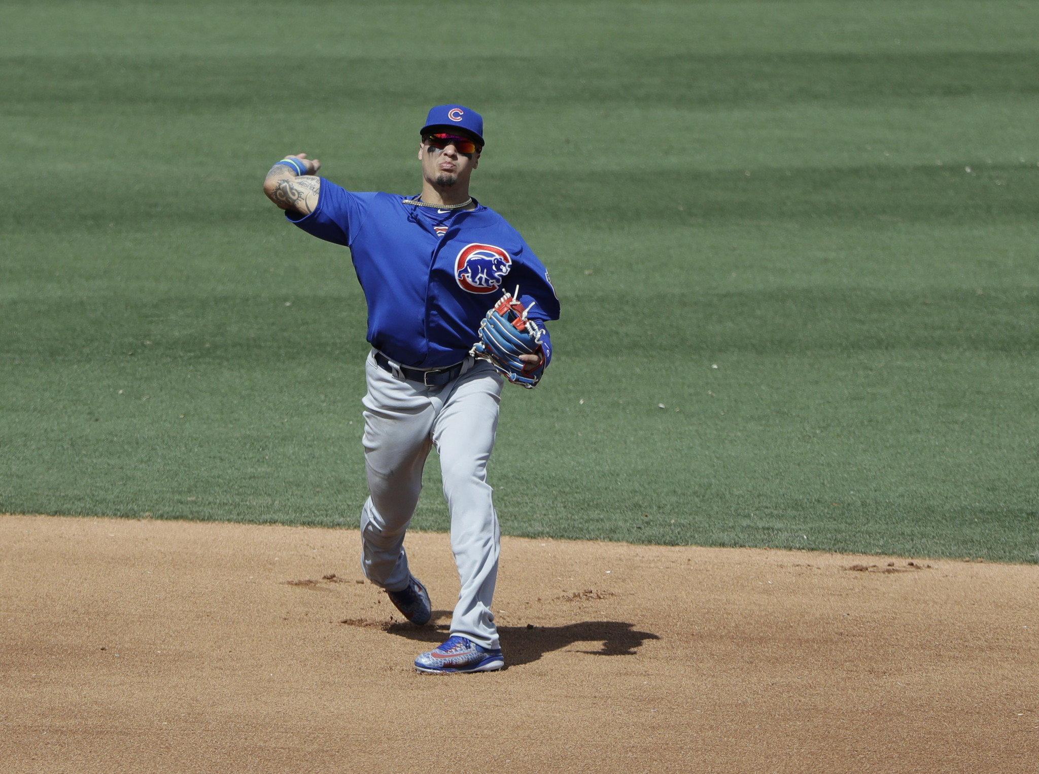 Ct-addison-russell-back-injury-cubs-spt-0329-20170328