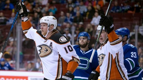 Ducks Clinch Playoffs And Cruise Past Canucks, 4-1