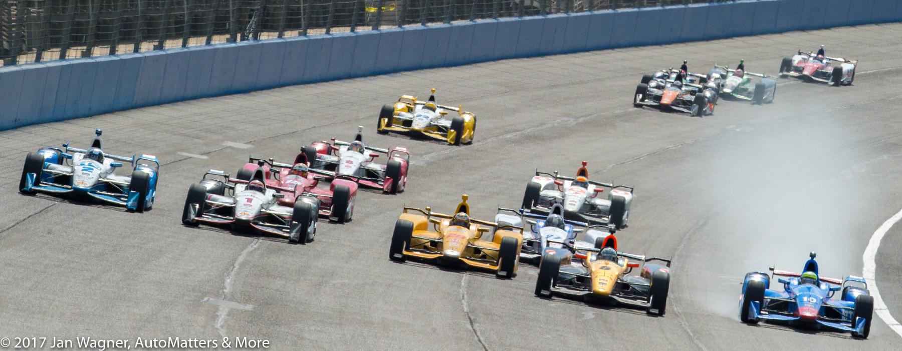 5-wide IndyCar racing (2015 MAV TV 500)