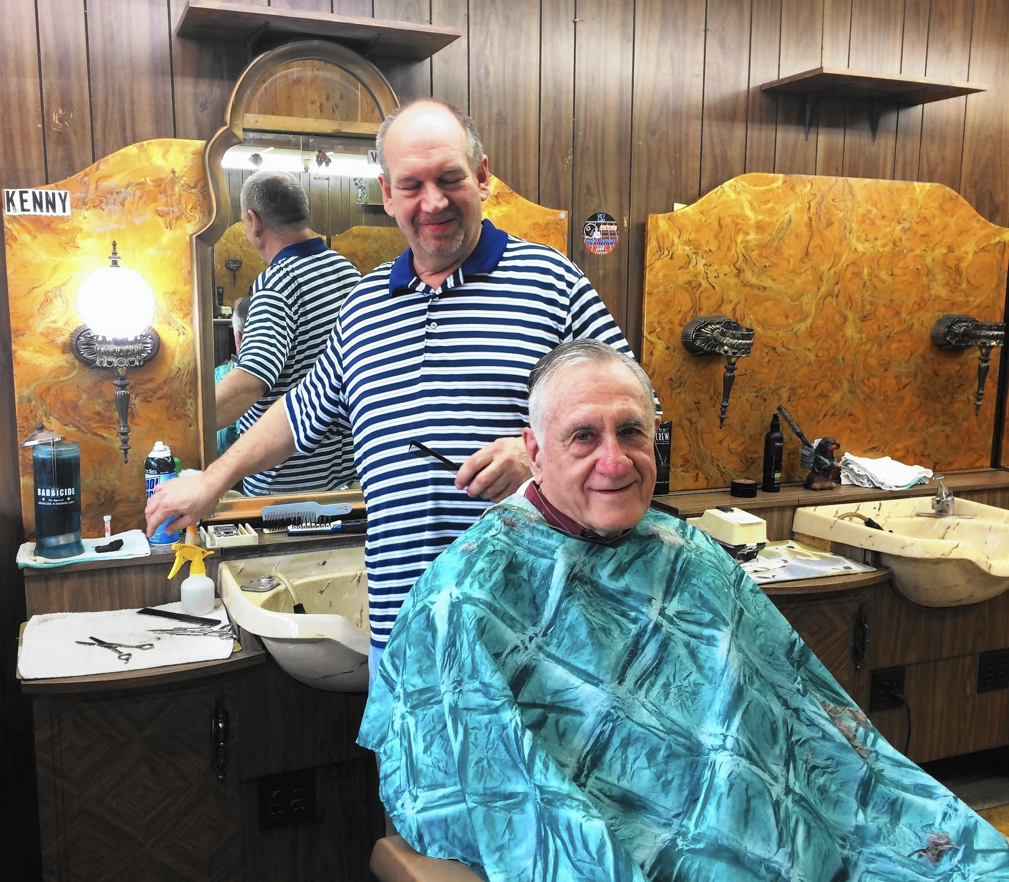Historic Downtown Arlington Heights Barbershop Closes Its Doors With