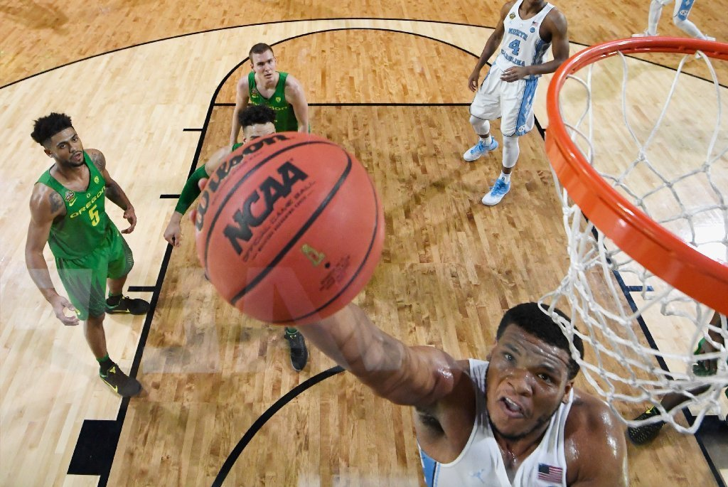 North Carolina Edges Out Oregon For A Shot At Sixth NCAA Title