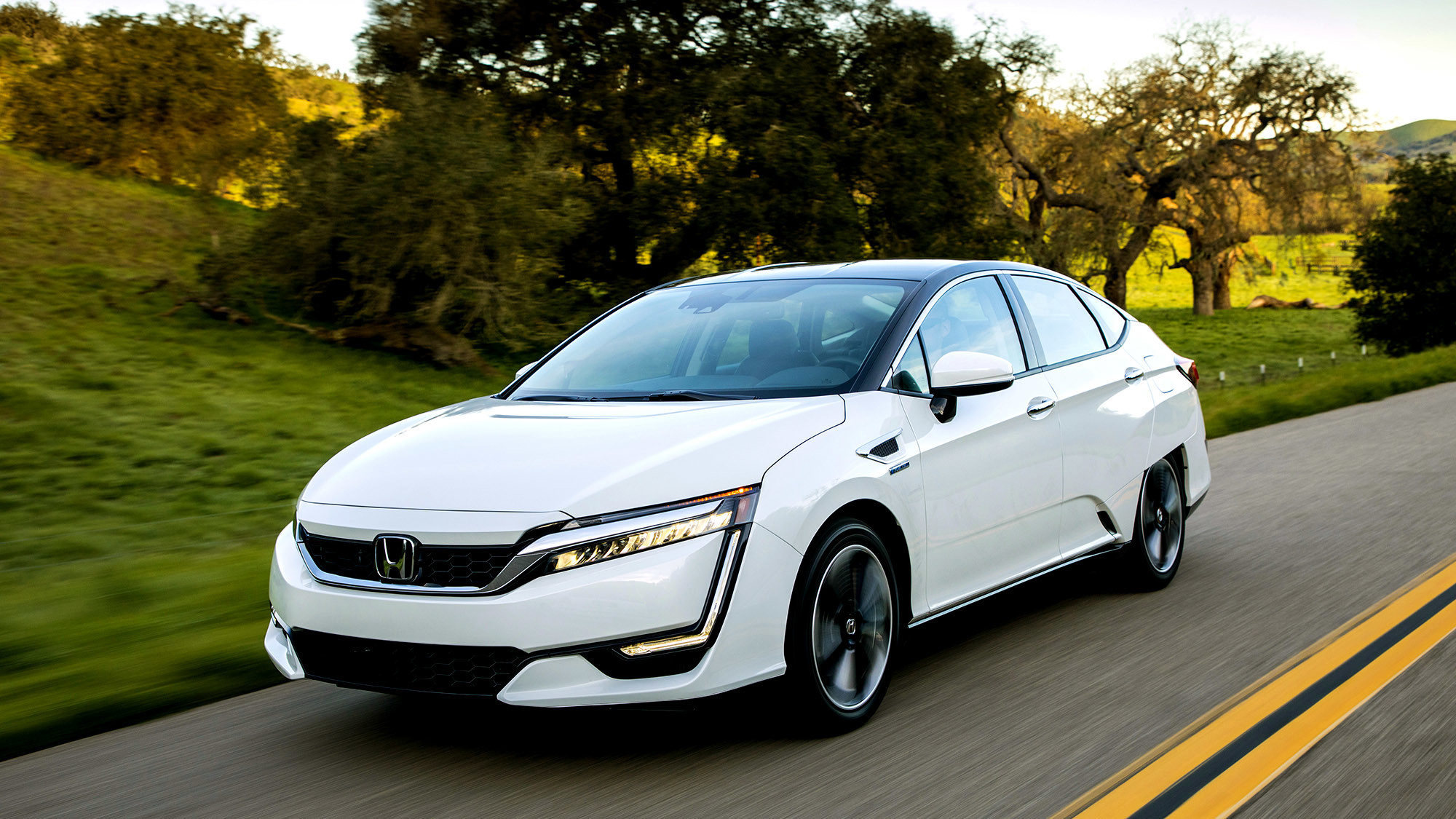 2017 honda clarity a hydrogen fuel cell car that delivers fun la times