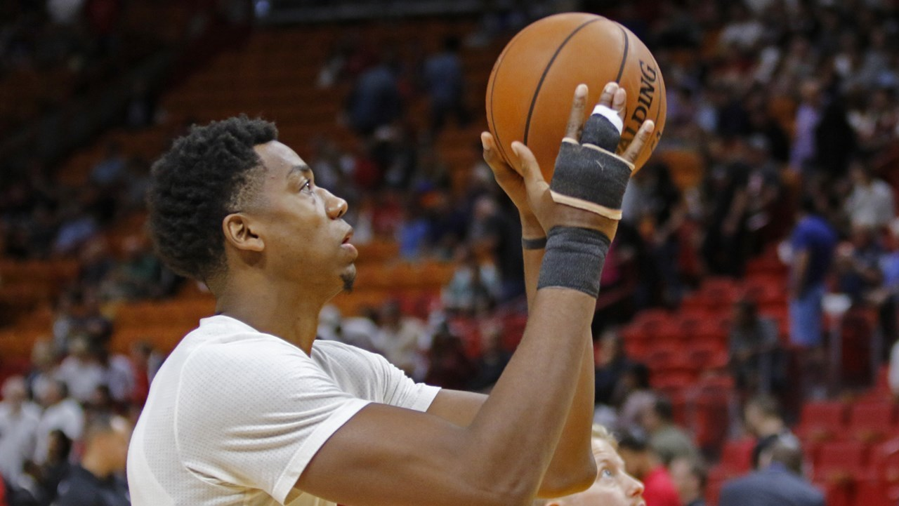 Hassan Whiteside still in stitches with wrapped hand