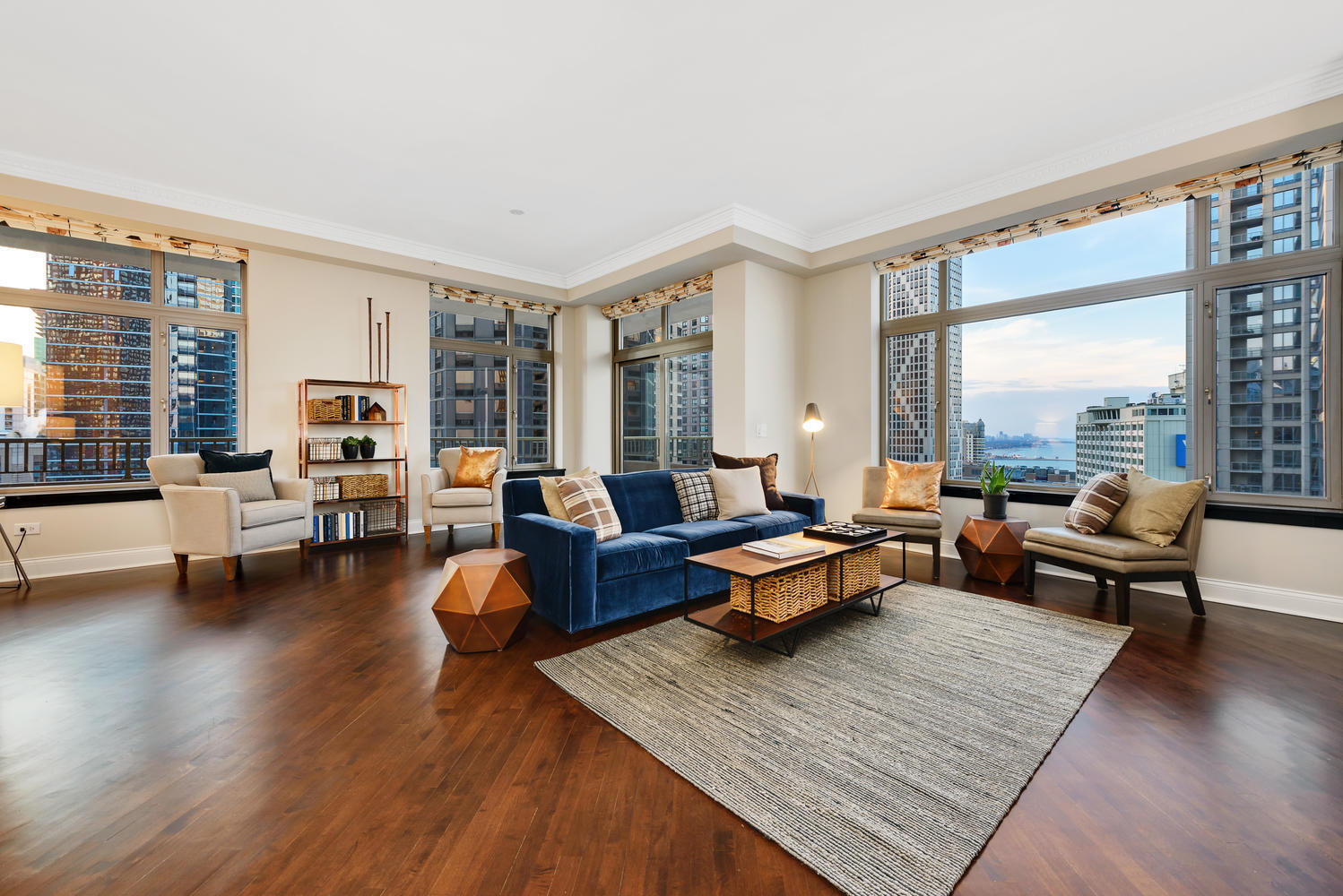 Chicago Penthouse With Two Parking Spots 2 2m Chicago