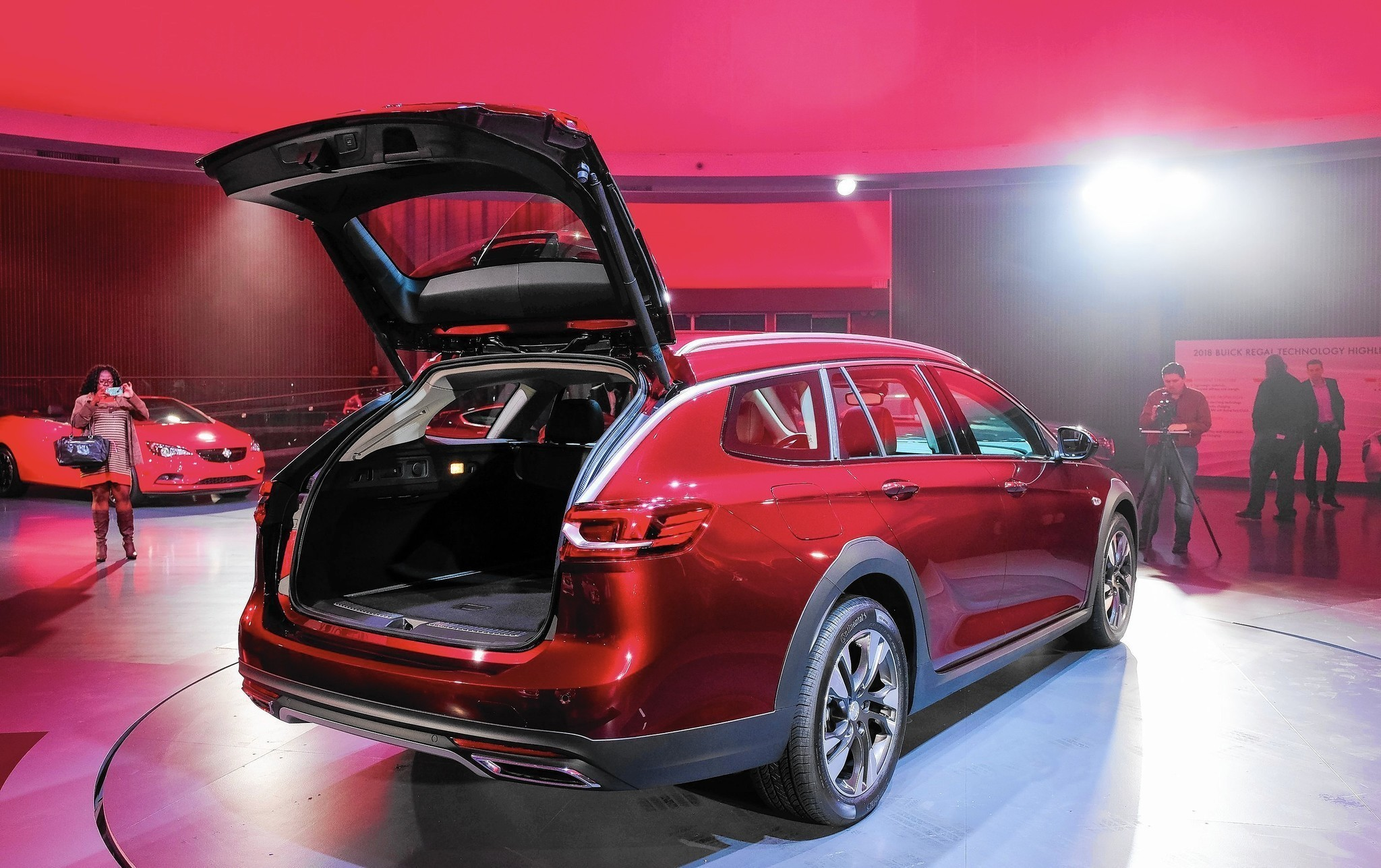 Buick launches a wagon, calls it a crossover - Chicago Tribune