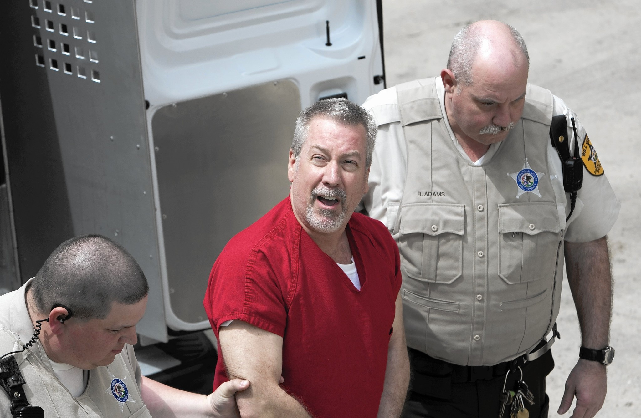 drew peterson It was the suspicious disappearance of peterson's fourth wife, stacy, that lead a prosecutor to take another look at the earlier death of his third wife, kathleen savio now peterson has been .