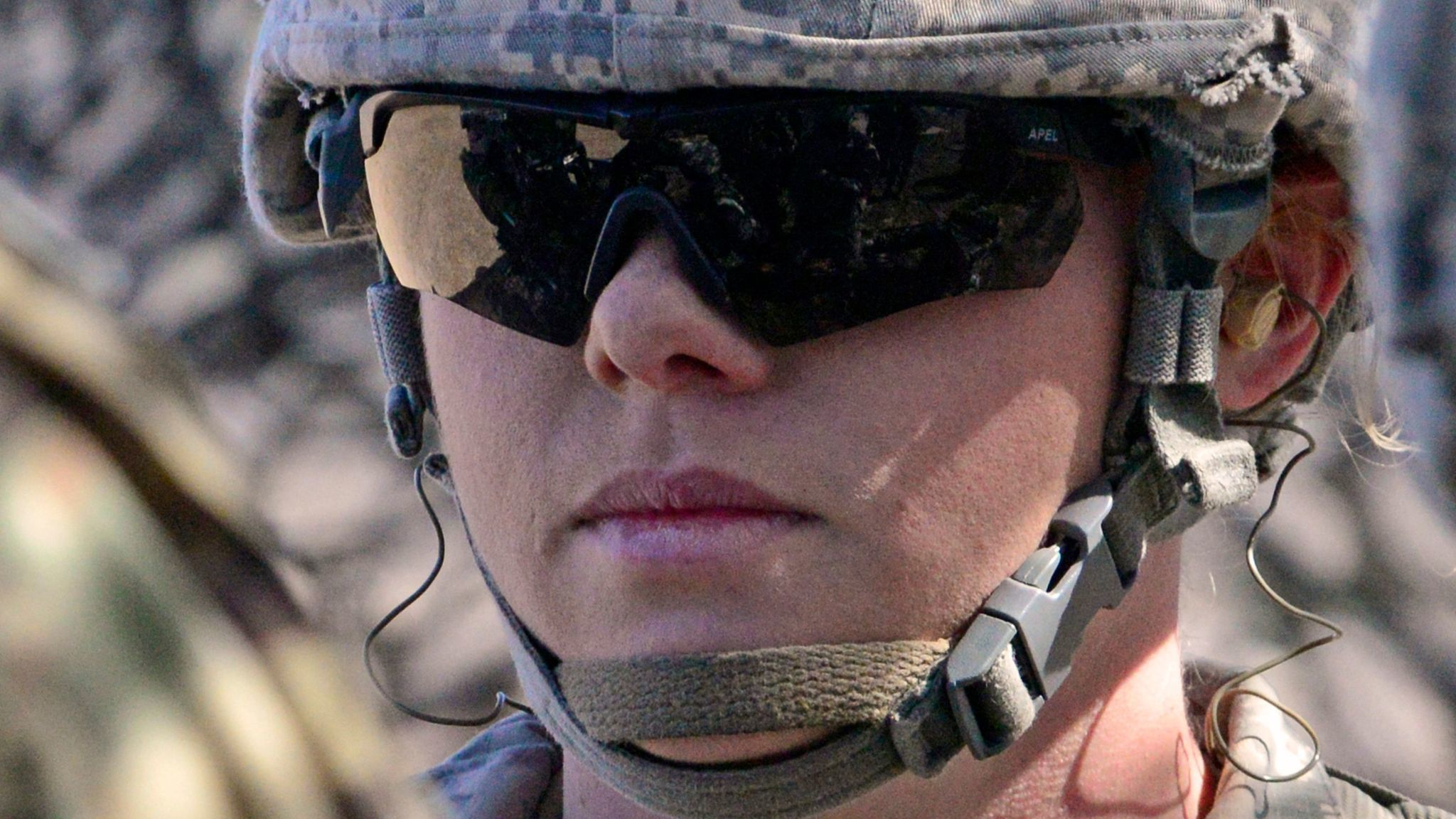 Stop lumping servicewomen and military wives in same category