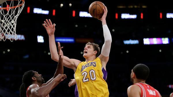 La-sp-lakers-timofey-mozgov-postseason-disappointed-20170413