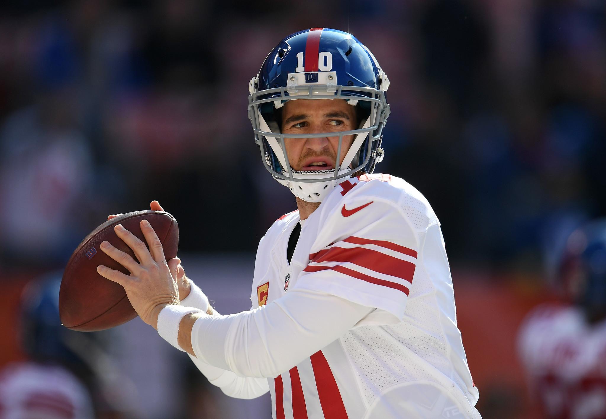 Giants Eli Manning at center of sports memorabilia scandal LA Times
