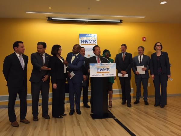 Assembly Democrats gather to discuss their 2017 housing plans, April 17, 2017 (Liam Dillon / Los Angeles Times)