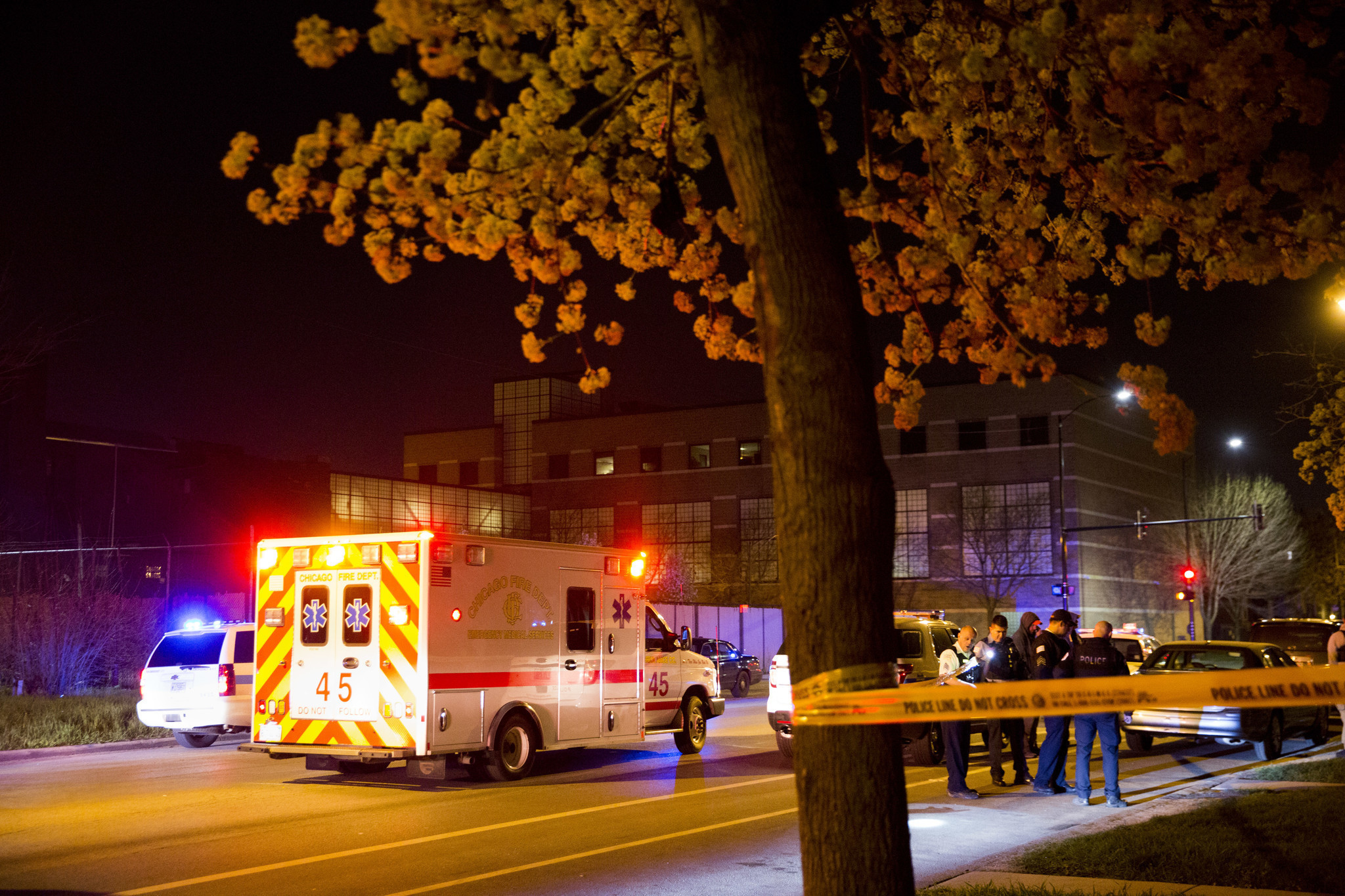 1 killed, 9 wounded in Chicago shootings over 14 hours - Chicago Tribune