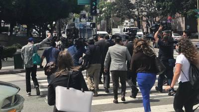 Periodistas a las afueras de la corte de Los Ángeles