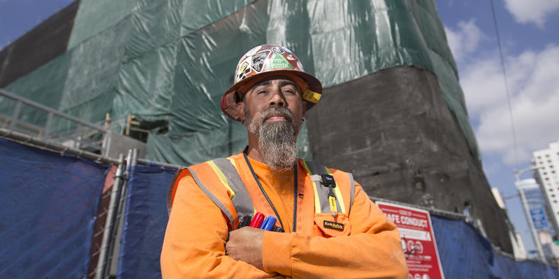 Immigrants Flooded California Construction Worker Pay Sank Heres Why