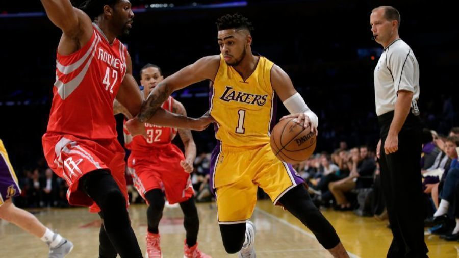 La-sp-lakers-russell-20170418