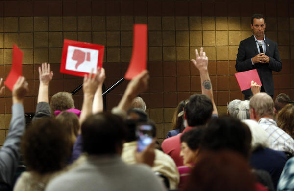 Rep. Steve Knight at a town hall meeting in Simi Valley. (Genaro Molina / Los Angeles Times)