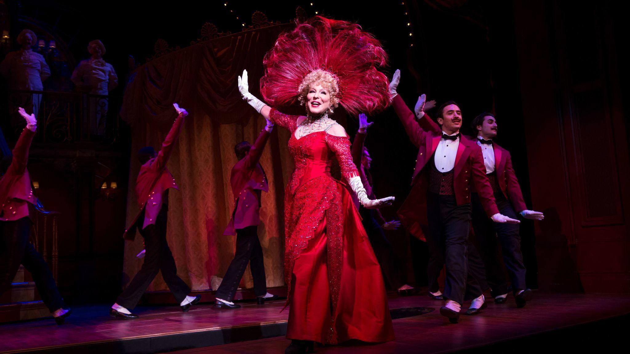 "Bette Midler in ""Hello, Dolly!"" (Julieta Cervantes)"