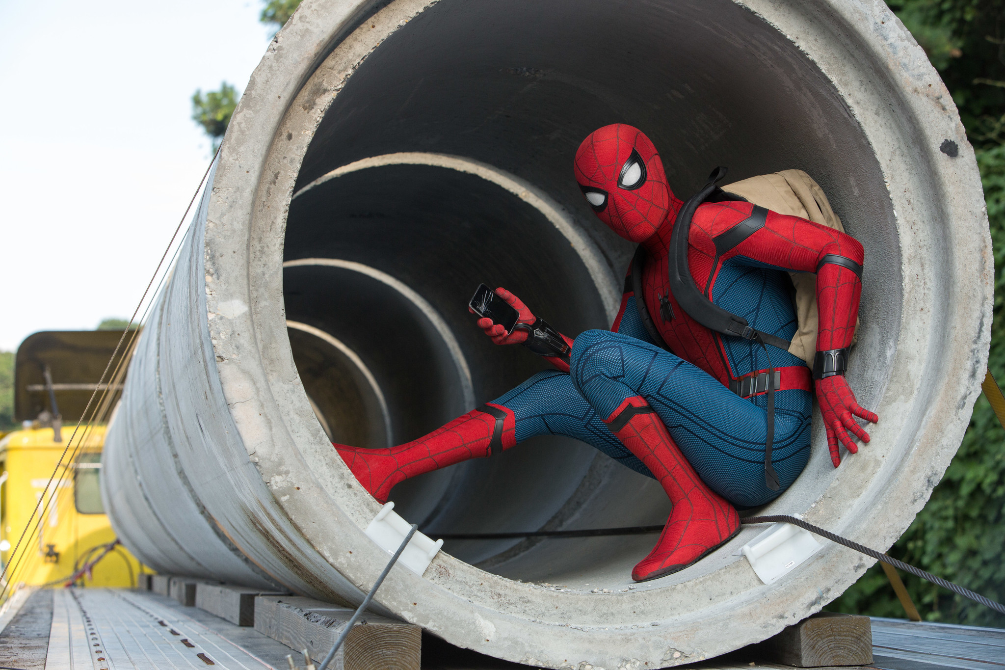http://www.trbimg.com/img-58f934f4/turbine/la-et-images-spider-man-homecoming-pictures-007