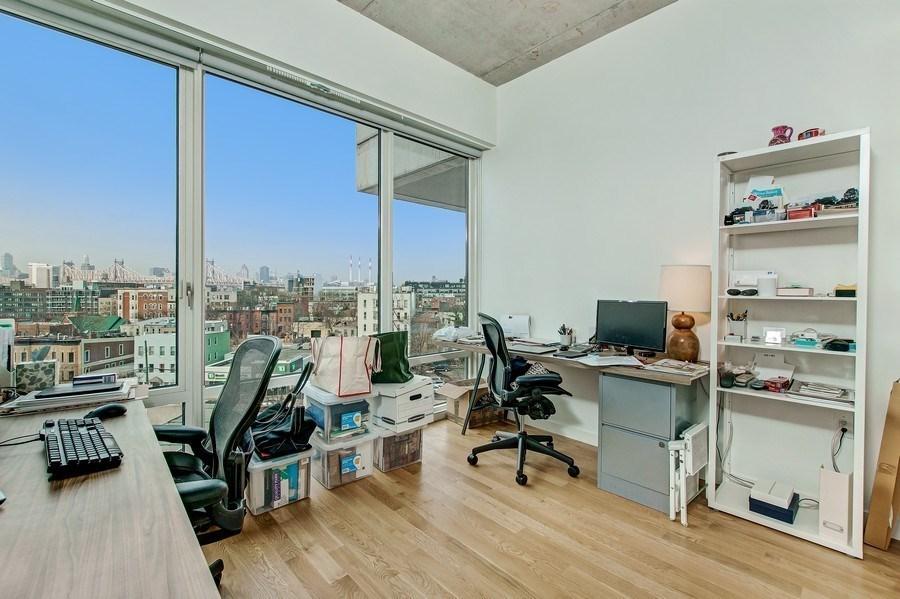 How do you locate a Chicago call center?
