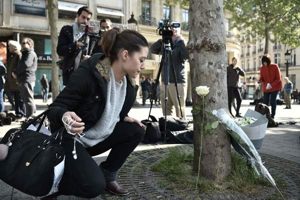 French candidates condemn terrorism as officials identify gunman in Paris shooting