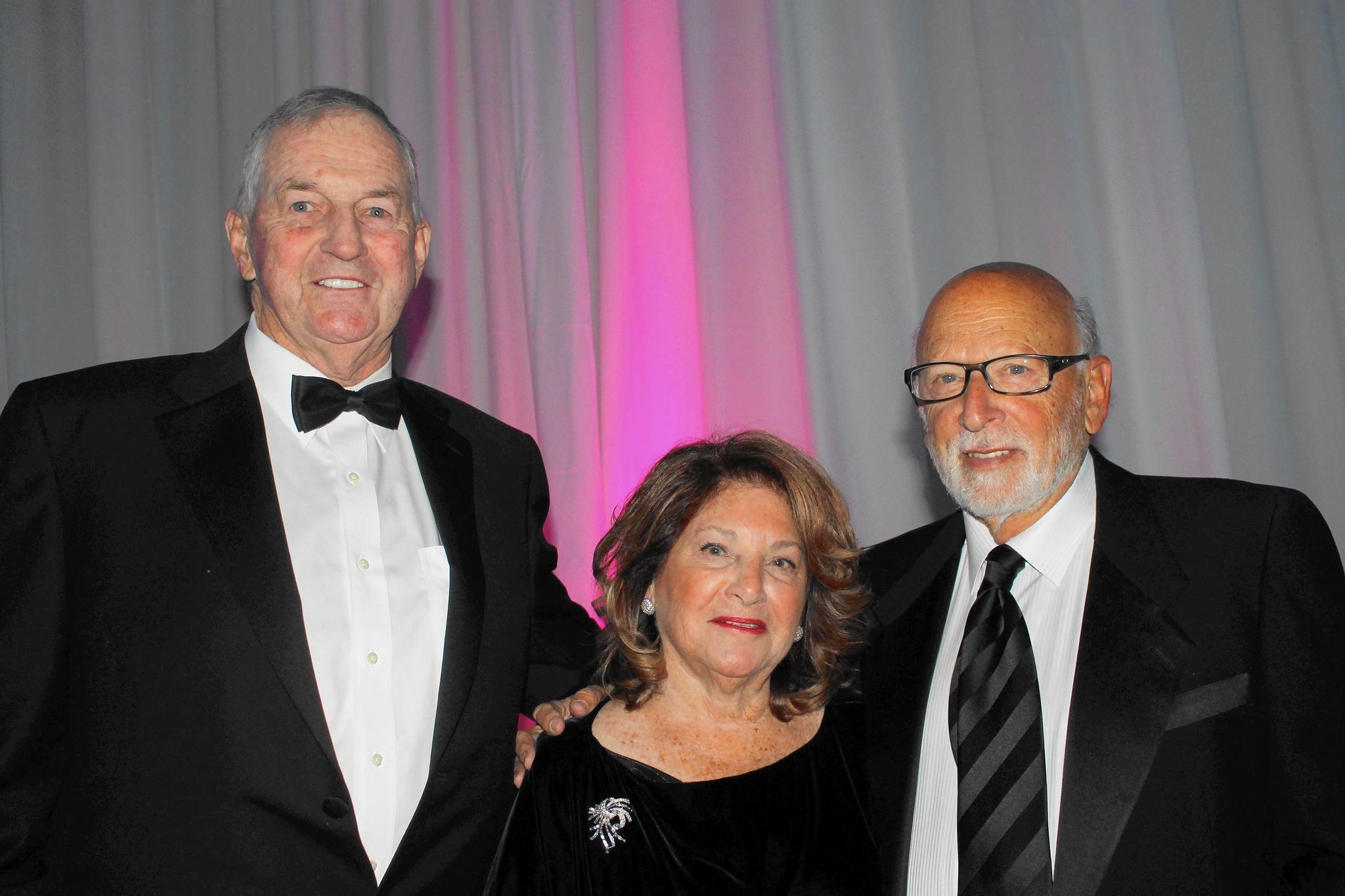 UConn White Coat Gala Celebrates Center On Aging - Hartford Courant