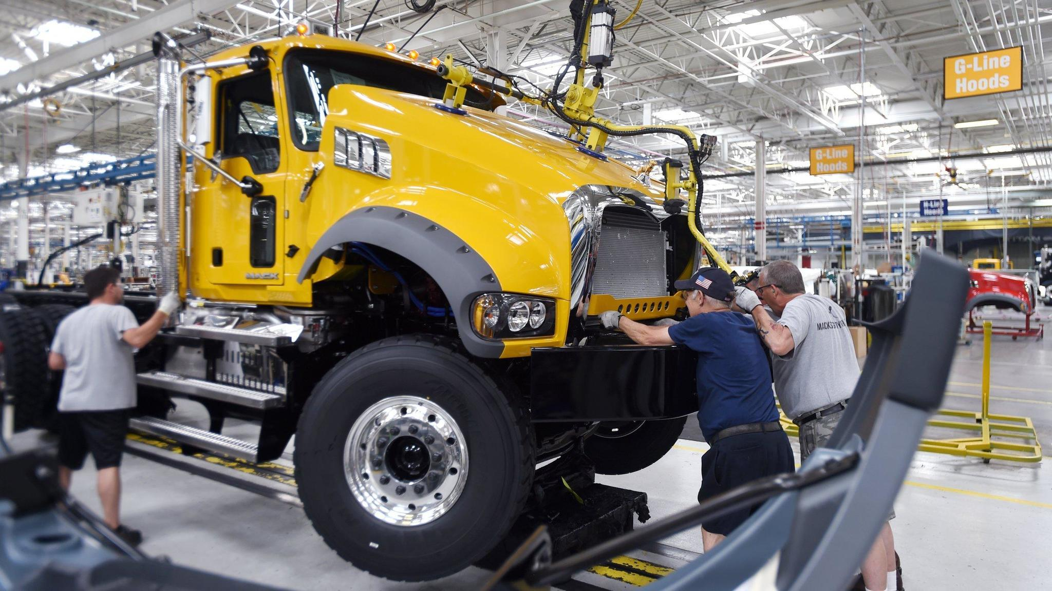Truck market recovering? Mack's 1Q deliveries decline but orders surge - Lehigh Valley Business ...