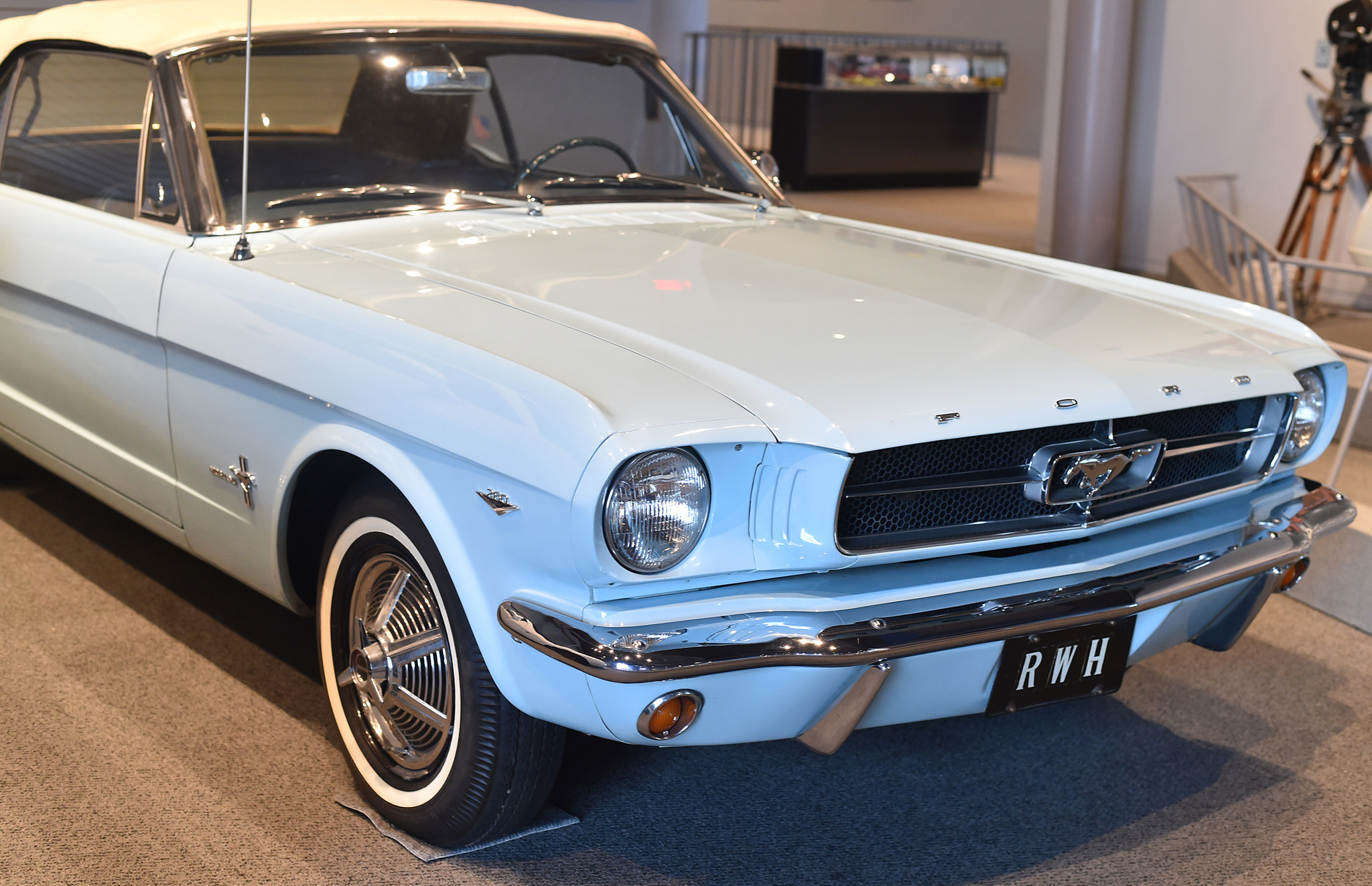 Gidyap See Pony Cars At Allentown S America On Wheels Museum