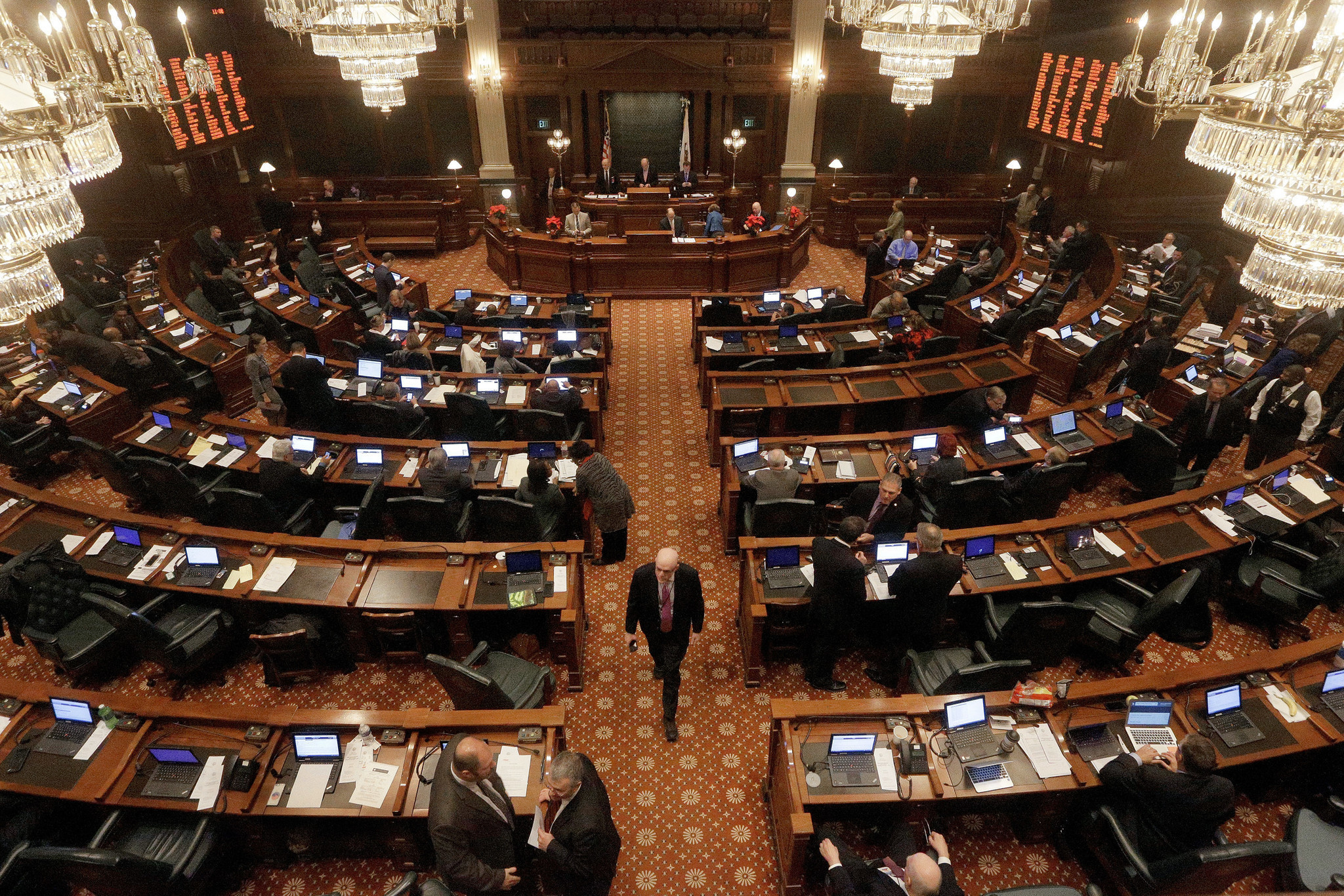Bill Would Identify Illinois Lawmakers Who Fail To File Tax Returns   Chicago Tribune